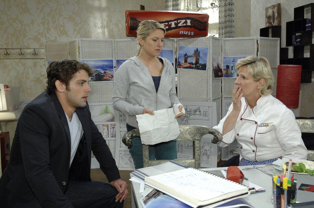 Jonas (Roy Peter Link, l.) zeigt Anna (Jeanette Biedermann, M.) und Susanne (Heike Jonca, r.) den Abschiedsbrief von Katja. Müssen sich die drei wi... - Bildquelle: Sat.1