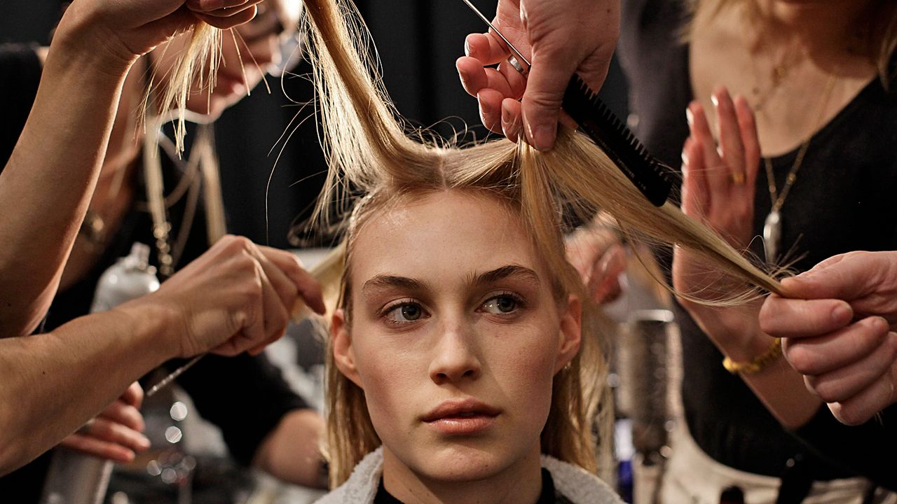 NewYork-Fashionweek-13-02-11-AFP - Bildquelle: AFP PHOTO/Joshua LOTT