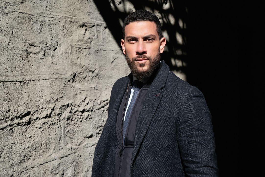 American Dreams - Special Agent Omar Adom 'OA' Zidan (Zeeko Zaki) - Bildquelle: Mark Schafer 2020 CBS Broadcasting, Inc. All Rights Reserved. / Mark Schafer