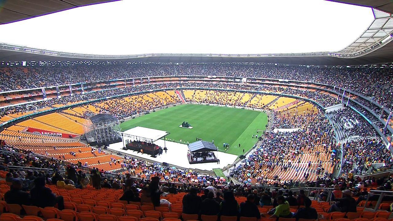 Beerdigung-Nelson-Mandela-13-12-10-10-AFP - Bildquelle: AFP