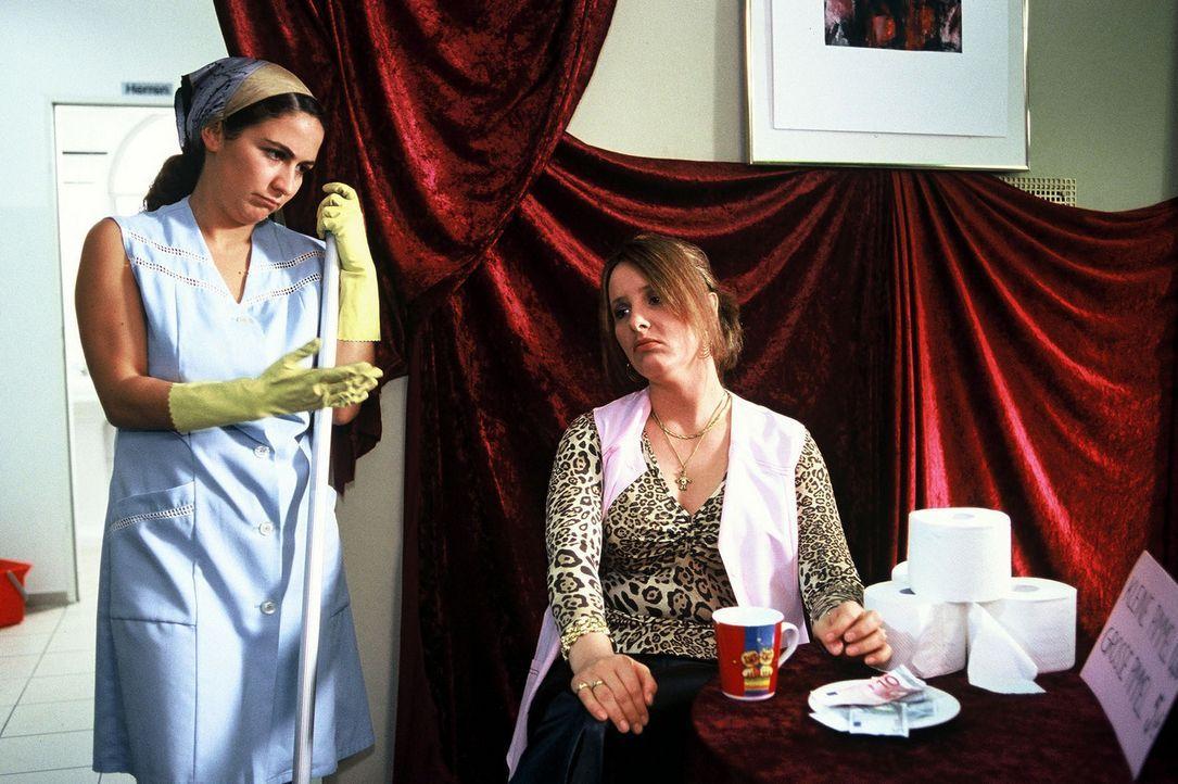 Von wegen Billiglöhne! Hier tröpfelt das Geld nicht - es fließt! (Shirin Soraya, l. und Nina Vorbrodt, r.) - Bildquelle: Sat.1