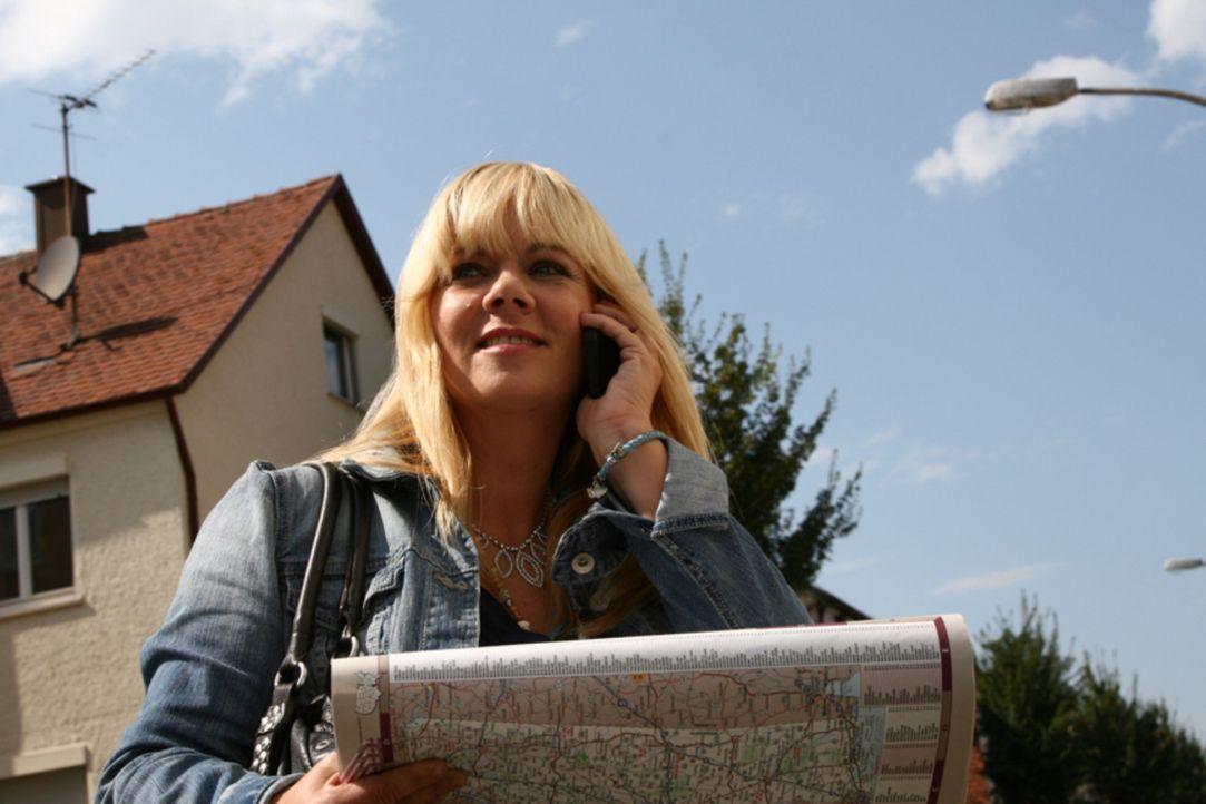 Reist um den Erdball, um nach vermissten Personen zu suchen: Julia Leischik ... - Bildquelle: SAT.1