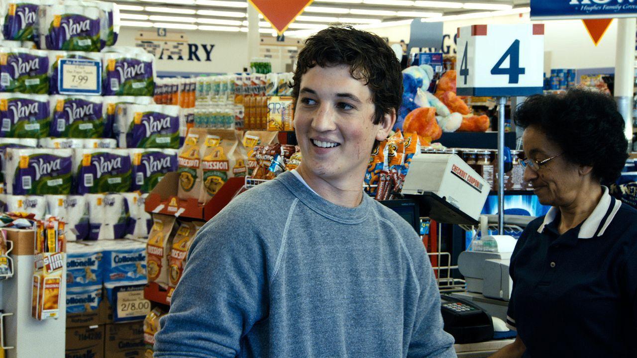 Miles (Miles Teller) - Bildquelle: 2012 Warner Bros. Entertainment Inc.