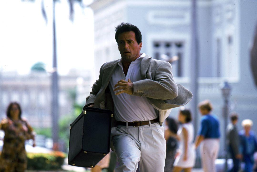 Der Profikiller Robert Rath (Sylvester Stallone) ist der beste seiner Zunft. Wer einen sicheren Auftrag ausführen lassen will, der engagiert ihn ... - Bildquelle: Warner Bros. Television