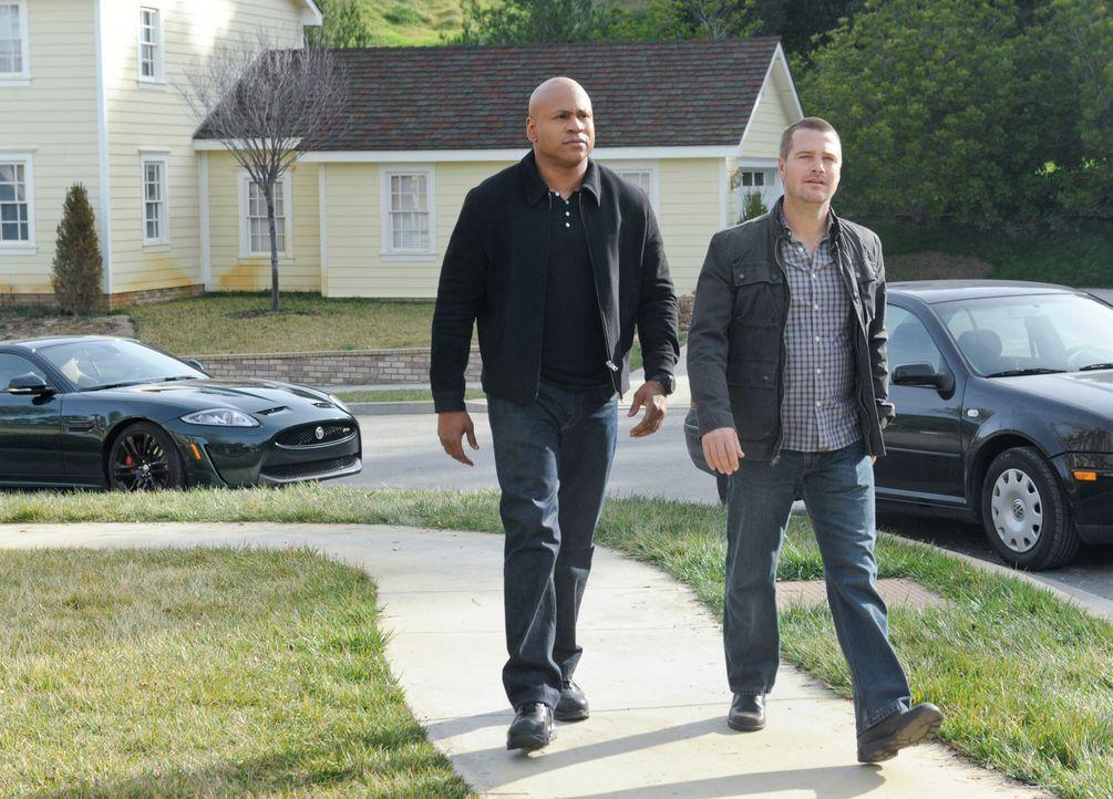 Versuchen alles, um einen neuen Fall aufzudecken: Callen (Chris O'Donnell, r.) und Sam (LL Cool J, l.) ... - Bildquelle: CBS Studios Inc. All Rights Reserved.