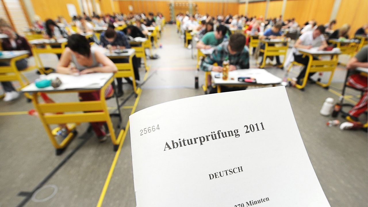 Abitur-Prüfungabipruefung-11-05-08-dpa - Bildquelle: dpa