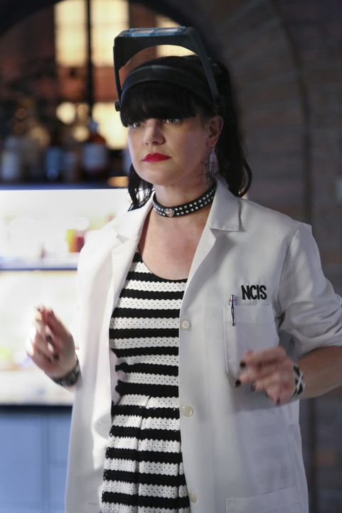 Ein aktueller, undurchsichtiger Mordfall weckt bei Abby (Pauley Perrette) unschöne Highschool-Erinnerungen ... - Bildquelle: Patrick McElhenney 2016 CBS Broadcasting, Inc. All Rights Reserved