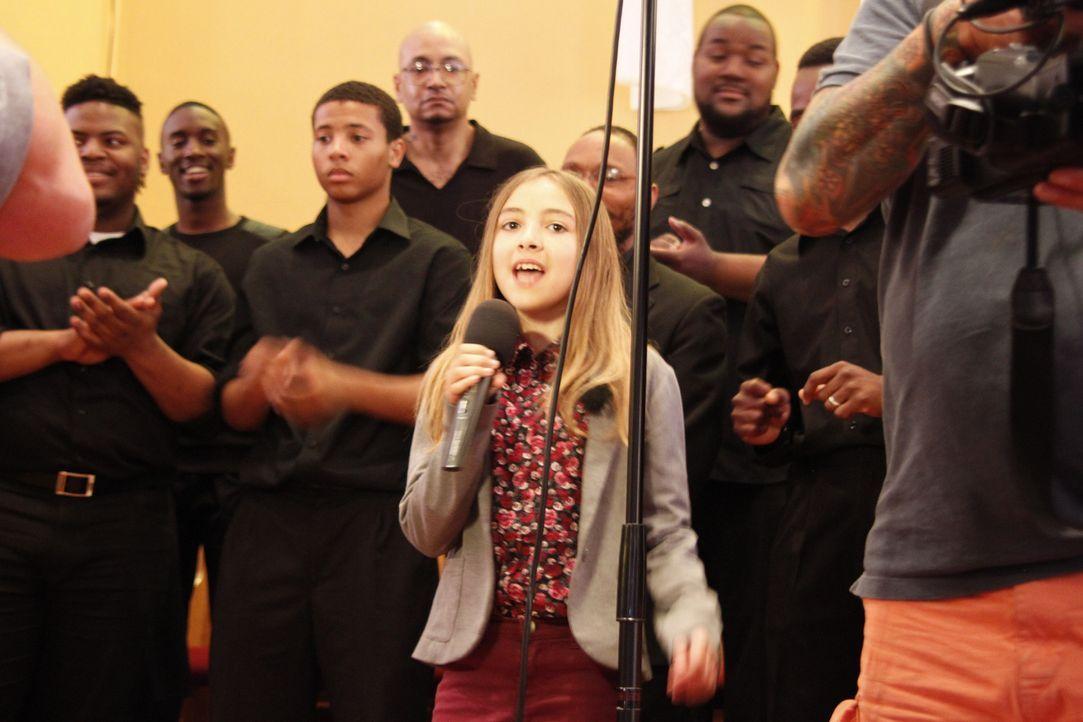 Für Marie geht ein großer Wunsch in Erfüllung: Sie darf bei einem Gospel-Chor in New York mitsingen ... - Bildquelle: SAT.1