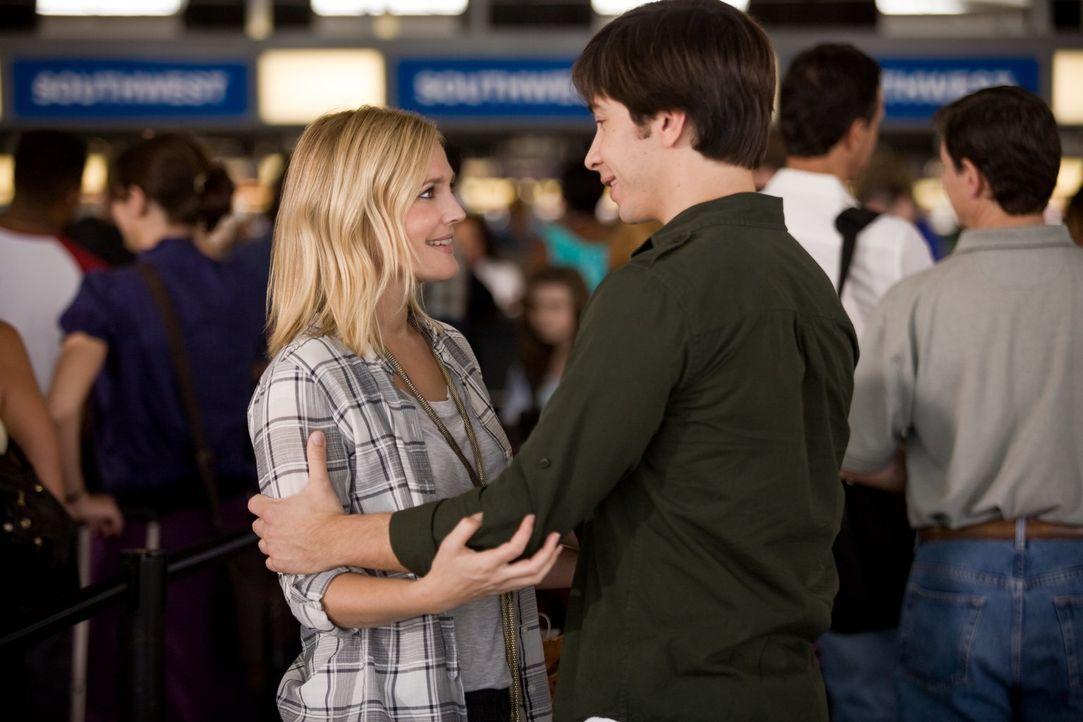Als Erin (Drew Barrymore, l.) nach sechs Wochen Praktikum in New York zurück nach San Francisco muss, möchte Garrett (Justin Long, r.) sie nicht ein... - Bildquelle: 2010 Warner Bros.