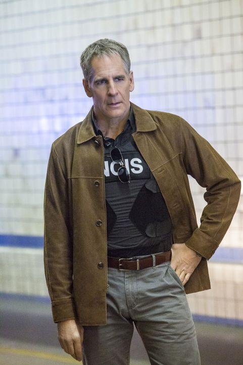 Pride (Scott Bakula) ist geschockt, als er erfährt, dass sich Sonja seit Wochen in einem Undercover-Einsatz für das DEA befindet. Sie soll einen Dro... - Bildquelle: Skip Bolen 2016 CBS Broadcasting, Inc. All Rights Reserved