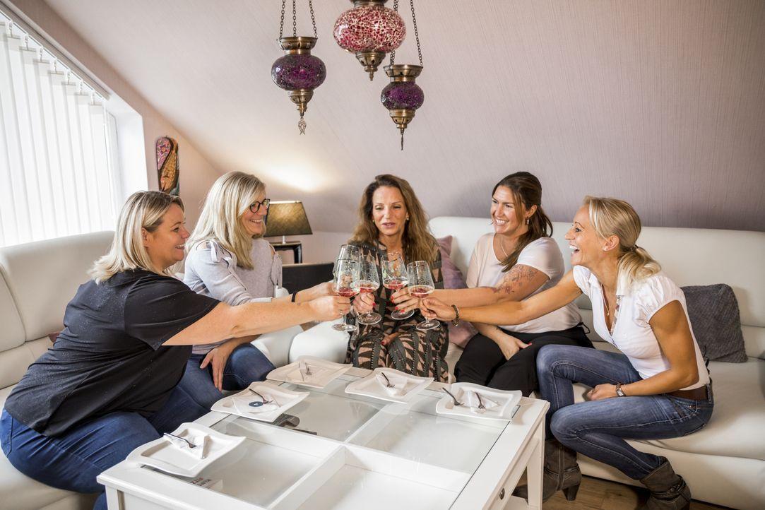(v.l.n.r.) Bianca; Britta; Mirjam; Jasmine; Karina - Bildquelle: Marvin Kochen SAT.1 / Marvin Kochen