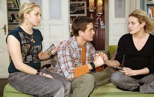 Lily (Jil Funke, l.), Lars (Alexander Klaws, M.) und Maja (Barbara Lanz, r.)