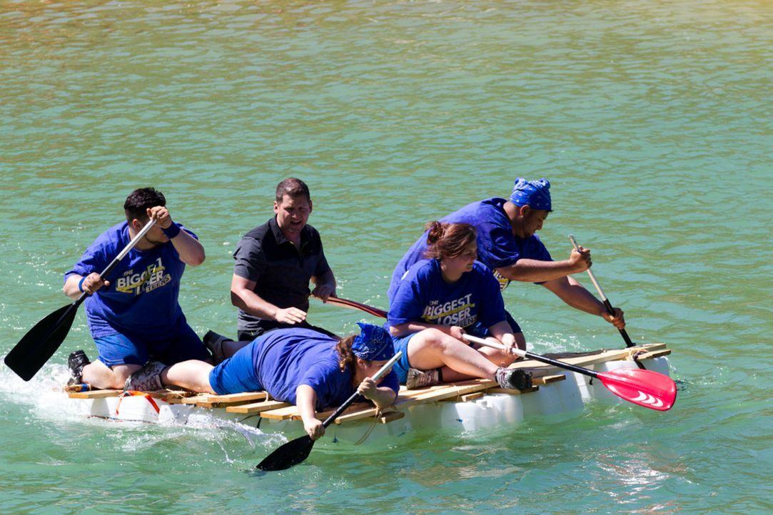 """Team """"Blau"""" von Ramin Abtin (M.) liegt in Führung, doch wie lange noch? - Bildquelle: Enrique Cano SAT.1"""