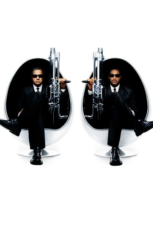 Die Herren in Schwarz sind zurück!: Agent J (Will Smith, r.) und Agent K (Tommy Lee Jones, l.) ... - Bildquelle: 2003 Sony Pictures Television International