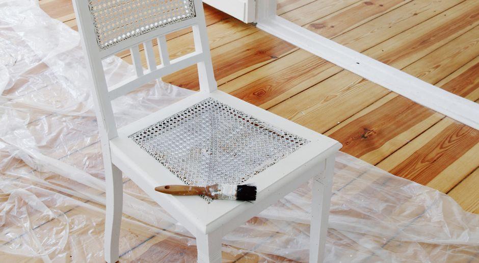 Gut bekannt Alte Möbel restaurieren und streichen: Anleitung | SAT.1 Ratgeber VM56
