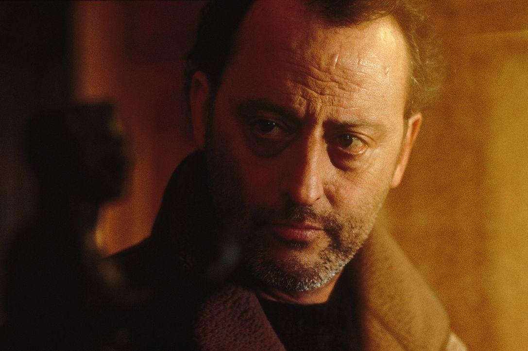 Inspektor Pierre Niémans (Jean Reno) soll er in den Alpen einen bizarren Mord aufklären ... - Bildquelle: TOBIS STUDIO CANAL GMBH&CO.KG