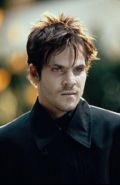 """Der Blutsauger Deacon Frost (Stephen Dorff) will die Macht des Vampirfürsten Dragonetti brechen, um selbst """"Fürst der Finsternis"""" zu werden ... - Bildquelle: Warner Bros."""
