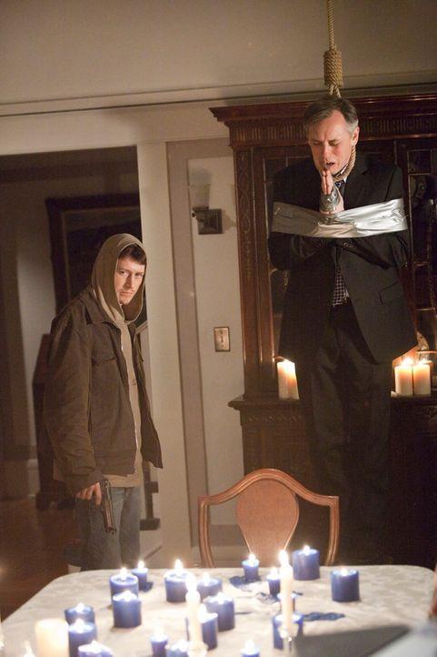 Für das Team um Sam beginnt ein Wettlauf mit der Zeit, denn Michael (Lukas Behnken, l.) ist bereit, sein nächstes Opfer Grant Nichols (David Aaron B... - Bildquelle: ABC Studios