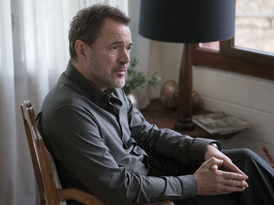 Otto Düring (Sebastian Koch) hat ein ganz besonderes Anliegen an Carrie. Doch was wird sie tun? - Bildquelle: Stephan Rabold 2015 Showtime Networks, Inc., a CBS Company. All rights reserved.