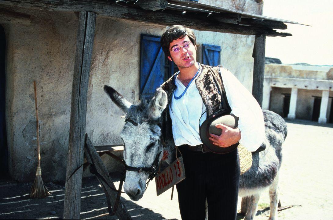 """Dimitri Rick Kavanian) will ein echter Indianer mit Pferd anstatt""""Esel-Maul"""" werden ... - Bildquelle: herbX film gmbh/Constantin Film"""