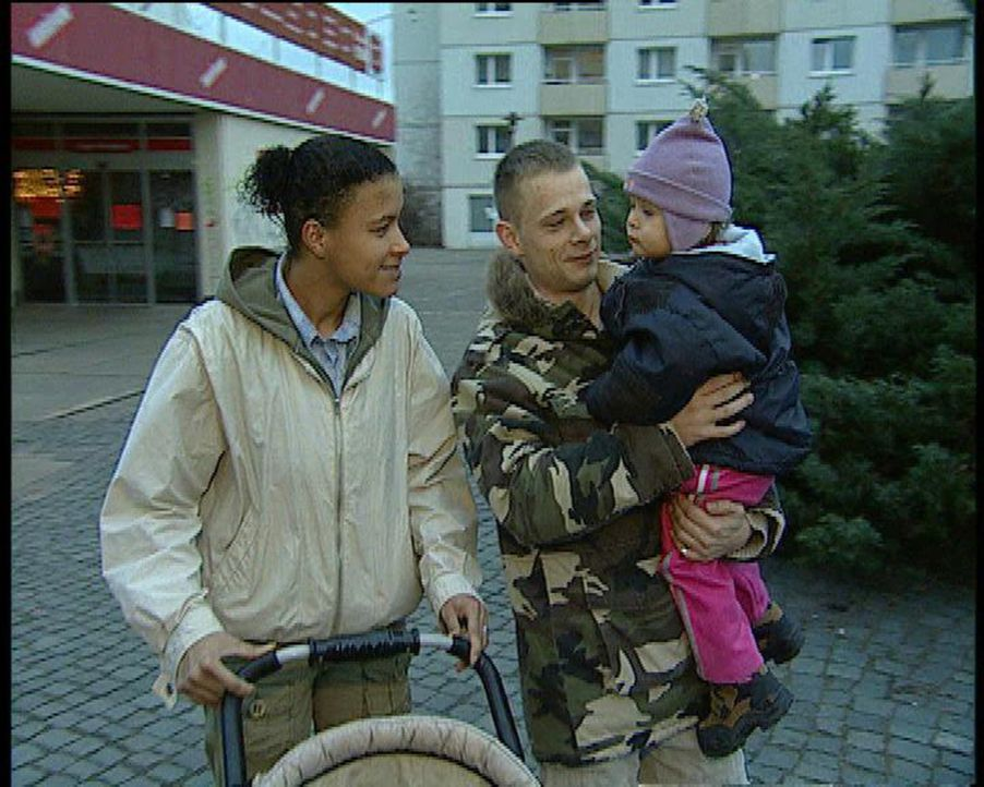 Hinter den Gefängnismauern der JVA Dresden sitzen 750 Insassen ein. Jens ist einer von ihnen. Mit seinen 23 Jahren hat er schon eine lange Liste in... - Bildquelle: Sat.1