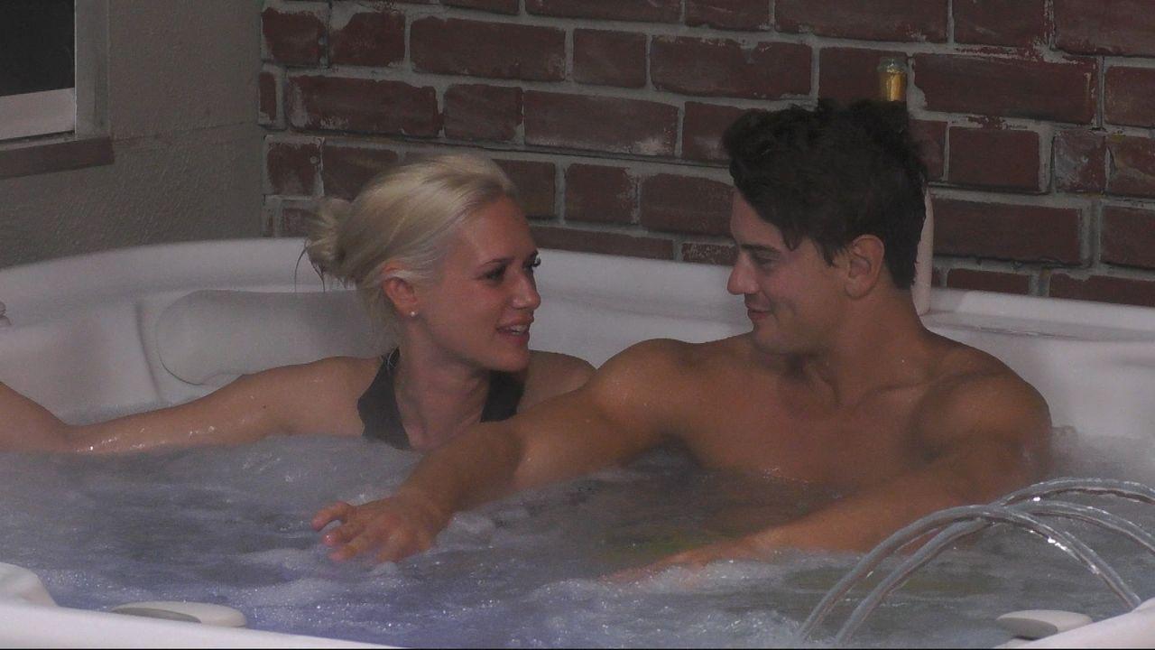Dominik und Sarah - geht da was? - Bildquelle: SAT.1