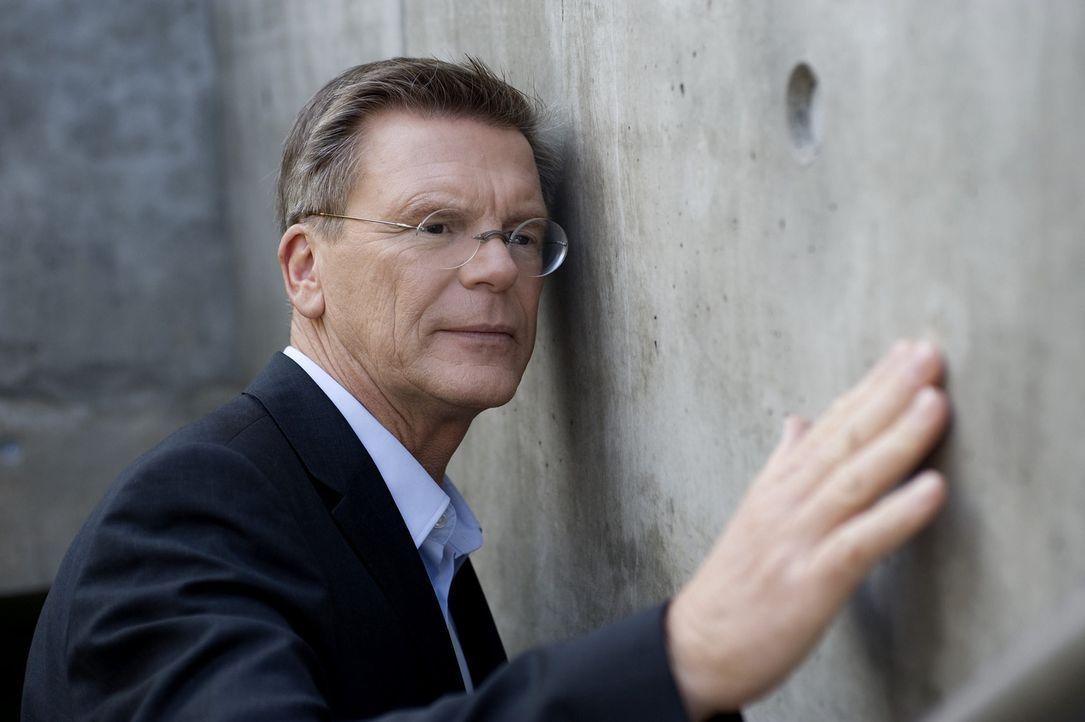 Wenn das Traumhaus zum Albtraum wird - dann ist es höchste Zeit für Bauinspektor Joachim Schulz ... - Bildquelle: SAT.1
