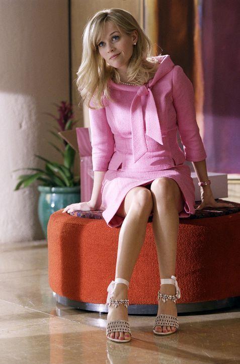 Mit ihrem Harvard-Abschluss im Gucci-Täschchen macht sich Elle (Reese Witherspoon) auf, Washington, D.C. unsicher zu machen ... - Bildquelle: Metro-Goldwyn-Mayer (MGM)
