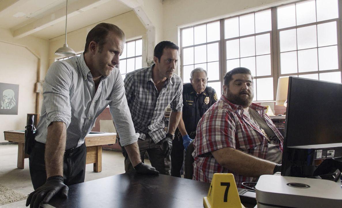 (v.l.n.r.) Danny Williams (Scott Caan); Steve McGarrett (Alex O'Loughlin); Duke Lukela (Dennic Chun); Jerry Ortega (Jorge Garcia) - Bildquelle: 2019 CBS Broadcasting, Inc. All Rights Reserved