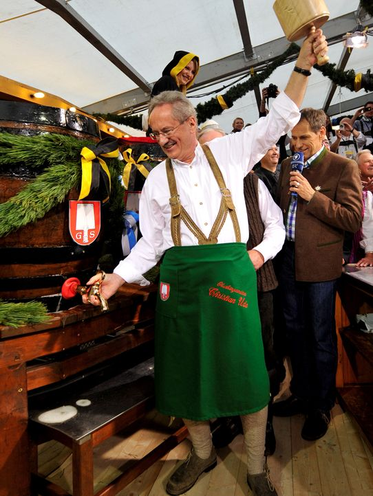 Oktoberfest-12-09-22-Christian-Ude-Anstich-dpa - Bildquelle: picture alliance / dpa
