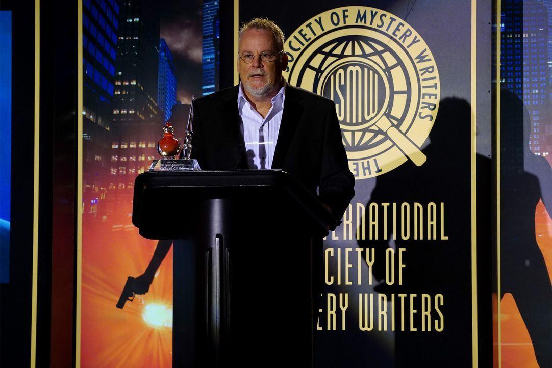Der legendäre Schriftsteller Michael Connelly (Michael Connelly) soll Castle den begehrten Literaturpreis verleihen ... - Bildquelle: Richard Cartwright ABC Studios