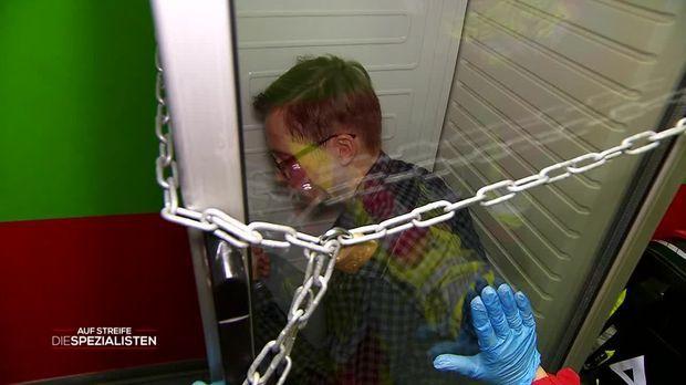 Auf Streife - Die Spezialisten - Auf Streife - Die Spezialisten - Schweißgebadet Im Kühlschrank
