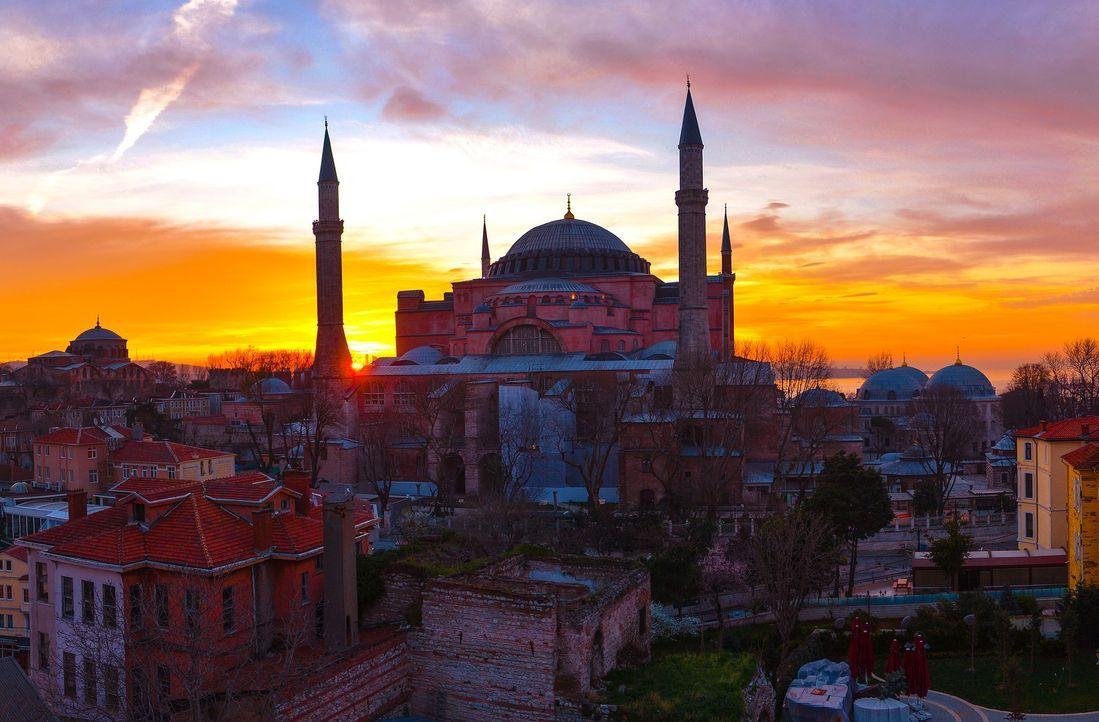 istanbul-2430072_1920