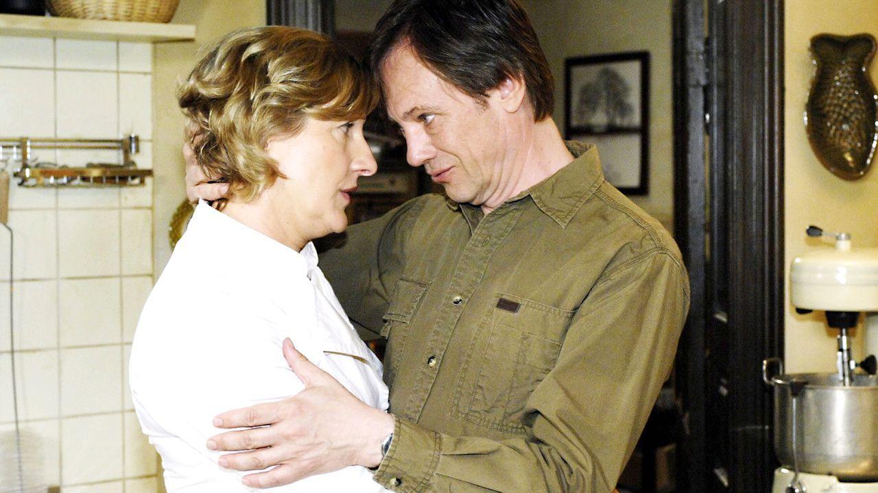 Anna-und-die-Liebe-Folge-08-Bild-4-Oliver-Ziebe-Sat.1 - Bildquelle: Sat.1/Oliver Ziebe