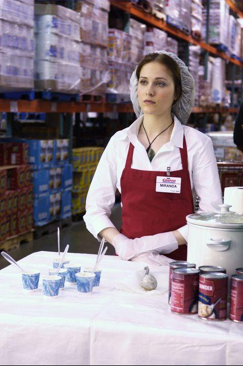 Als klar wird, dass der vermeintliche Schatz unter dem Supermarkt vergraben ist, lässt sich Miranda (Evan Rachel Wood) dazu überreden, dort einen... - Bildquelle: Nu Image