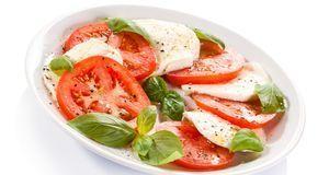 Lecker und zugleich ein super Abendessen: Tomate-Mozzarella.