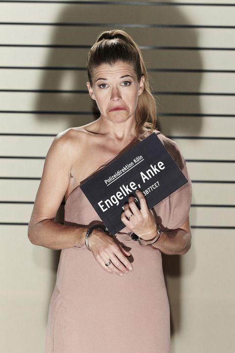 Lässt's krachen: Anke Engelke ... - Bildquelle: Guido Engels SAT.1