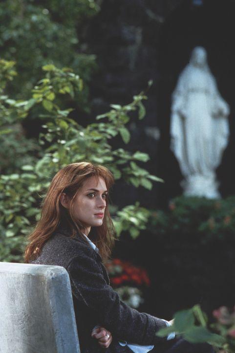 Die strenggläubige Maya (Winona Ryder) findet im Glauben ihre Lebenskraft ... - Bildquelle: Kinowelt Filmverleih