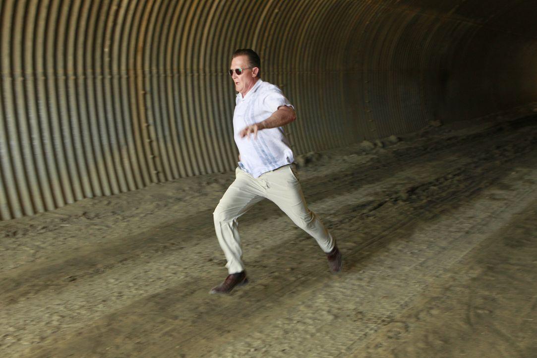 Nachdem Cabe (Robert Patrick) einen Hilferuf von einer alten Bekannten bekommen hat, macht er sich mit dem Scorpion Team auf den Weg nach Kuba. Eine... - Bildquelle: Monty Brinton 2015 CBS Broadcasting, Inc. All Rights Reserved.