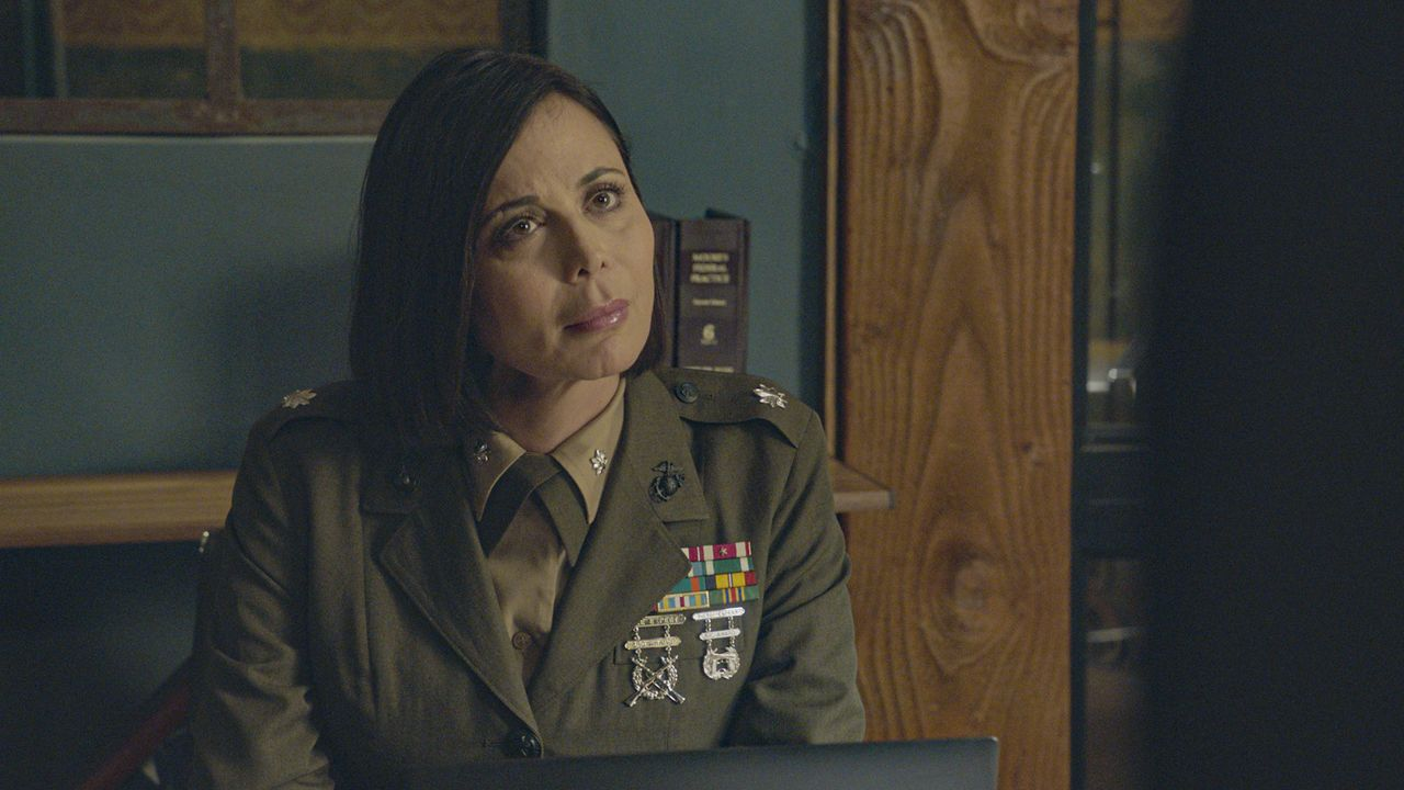 Marine Lieutenant Colonel Sarah MacKenzie (Catherine Bell) - Bildquelle: 2020 CBS Broadcasting Inc. All Rights Reserved.