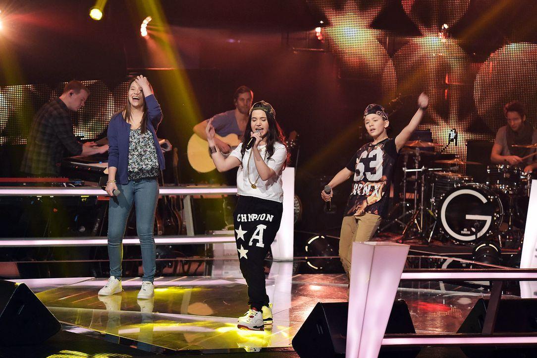 The-Voice-Kids-Stf03-Epi06-Auftritte-27-Antonia-Alberina-Keanu-SAT1-Andre-Kowalski - Bildquelle: SAT.1/Andre Kowalski