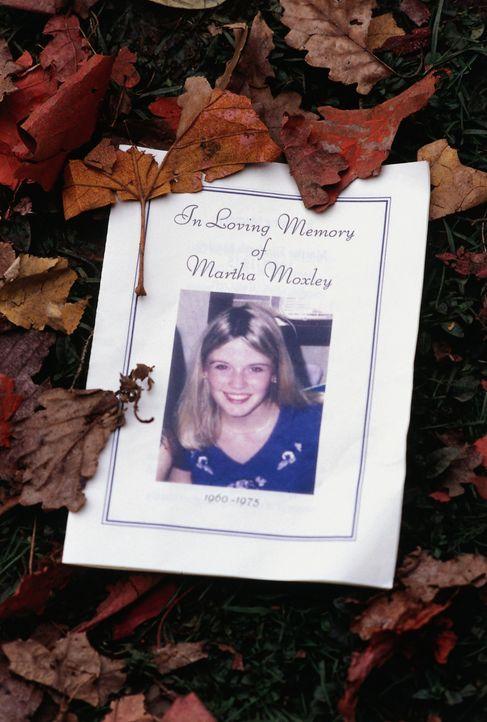 Vor 25 Jahren wurde die junge Martha Moxley (Maggie Grace) ermordet und bisher konnte keiner die Wahrheit über diesen Mord enthüllen ... - Bildquelle: Sony Pictures Television International. All Rights Reserved.