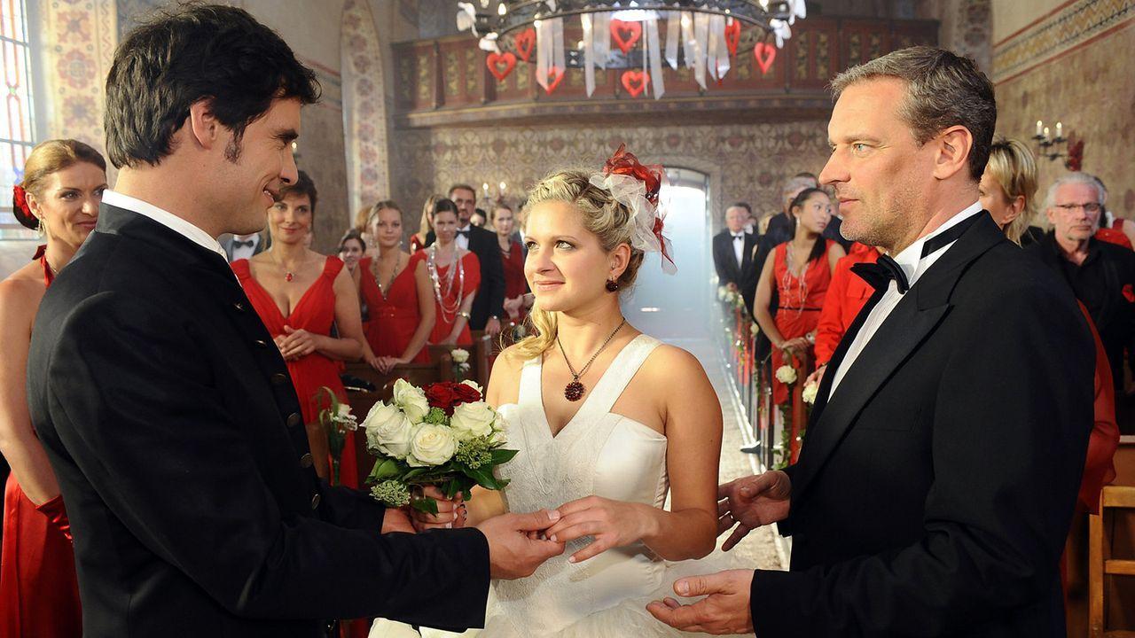 Anna-und-die-Liebe-Folge-563-05-SAT1-Oliver-Ziebe - Bildquelle: SAT.1/Oliver Ziebe
