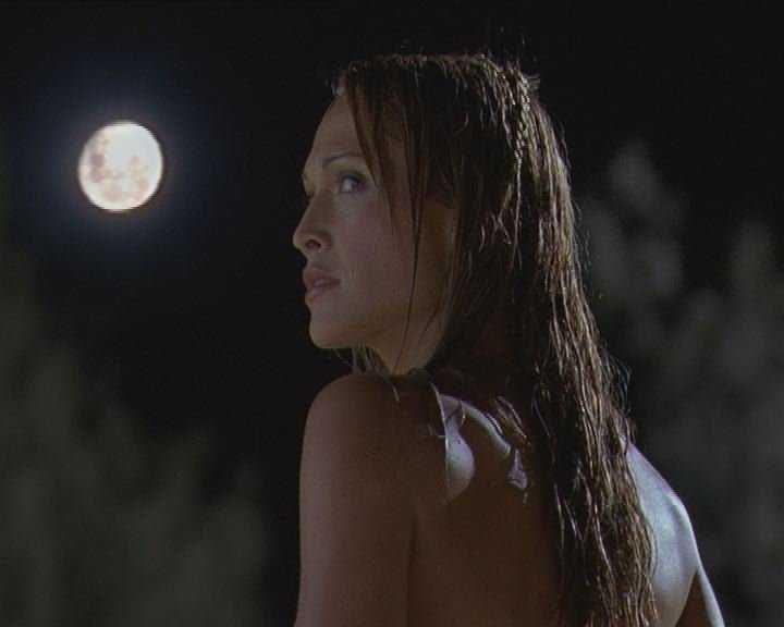 Wagt einen Landgang mit Folgen: Nixe Diana (Erika Heynatz) ... - Bildquelle: Licensed by CBS International Television