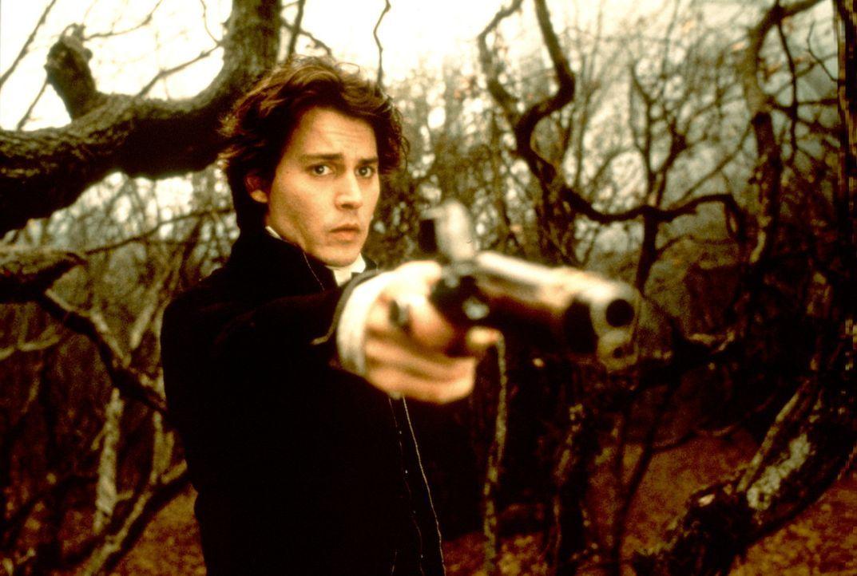 Waffen helfen nicht gegen Leute, die schon tot sind - das muss auch Gendarm Ichabod Crane (Johnny Depp) schmerzlich erkennen ... - Bildquelle: Constantin Film