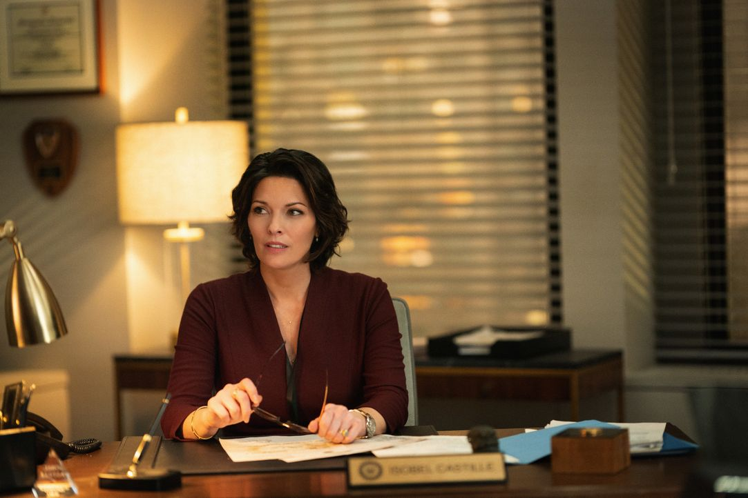 Special Agent in Charge Isobel Castille (Alana De La Garza) - Bildquelle: Michael Parmelee 2019 CBS Broadcasting, Inc. All Rights Reserved. TM / Michael Parmelee