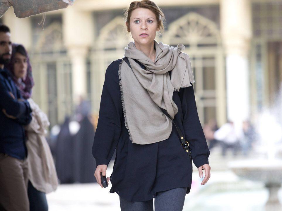 Carrie (Claire Danes) reist nach Teheran, um die Mission zu unterstützen, während Brody einen Geist seiner Vergangenheit sieht, der ihn dazu bringt,... - Bildquelle: 2013 Twentieth Century Fox Film Corporation. All rights reserved.