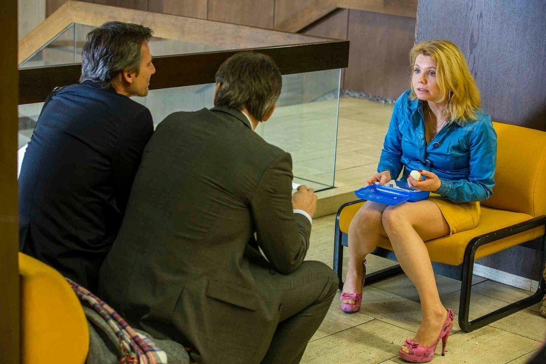 Eine doofe Situation: Danni (Annette Frier, r.) mit Olli (Jan Sosniok, M.) und August (René Steinke, l.) ... - Bildquelle: Frank Dicks SAT.1