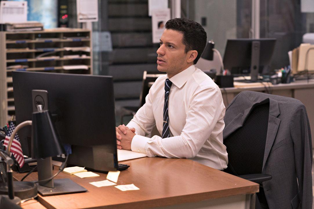 Detective Eric Castillo (Ramses Jimenez) - Bildquelle: Barbara Nitke 2020 NBCUniversal Media, LLC / Barbara Nitke