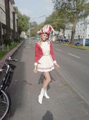 """12 Jahre war Verena während des Studiums und auch danach """"'n Kölsche Mädsche"""". - Bildquelle: privat"""